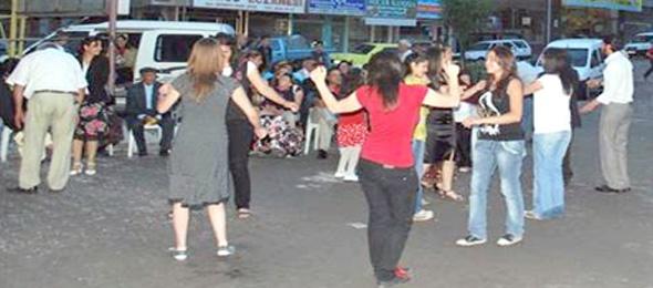 Sokak Düğünü: Benzeri Olmayan Saygısızlık Örneği