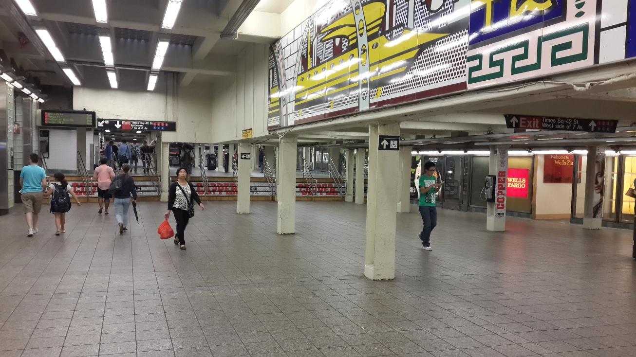 Metro istasyonu girişi