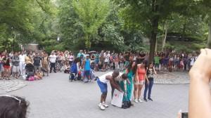 Central Park içerisinde bir gösteri