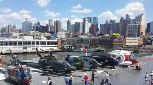 Intrepid müzesi ve helikopterler