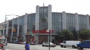 Flatbush Avenue üzerindeki Target mağazası