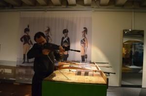 İsveç Ordu Müzesinde gerçek silahlar