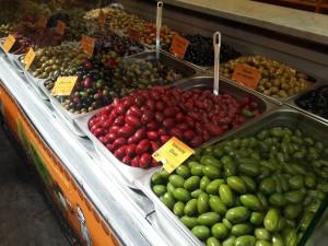 Naschmarkt ve rengarenk zeytinler