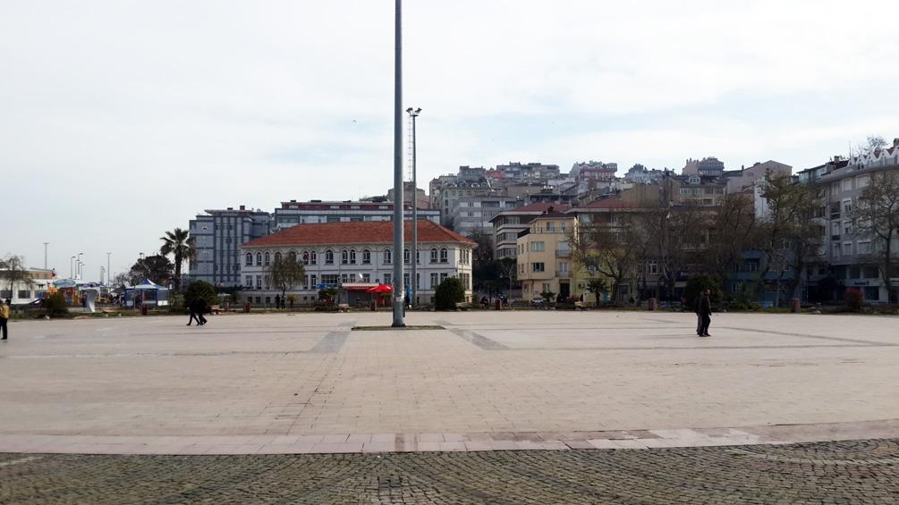 Bandırma Cumhuriyet Meydanı