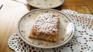 Polonya geleneksel elmalı pasta