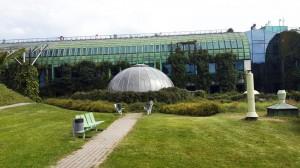 Varşova Üniversitesi Kütüphanesinin çatısı
