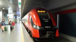 Varşova S2 Treni