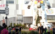 Diver City ve Gundam heykeli