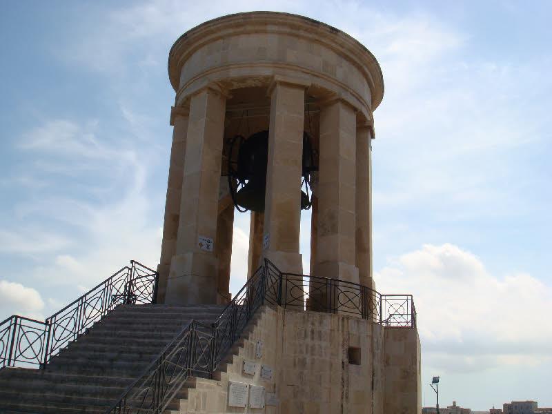 Valletta siege bell - Valletta kuşatma çanı