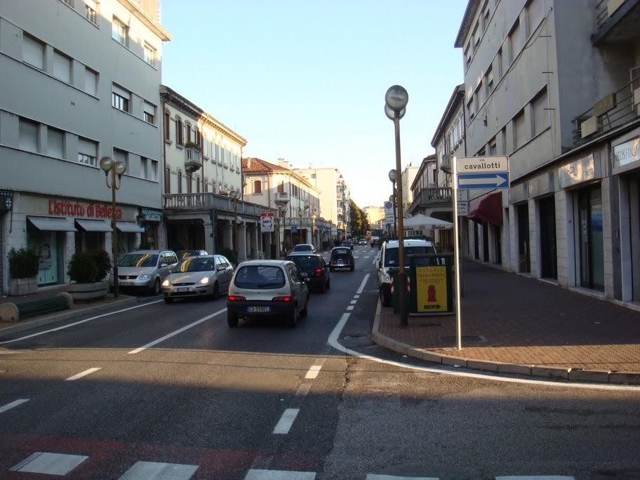 Mestrenin ünlü caddelerinden Via Cavallotti