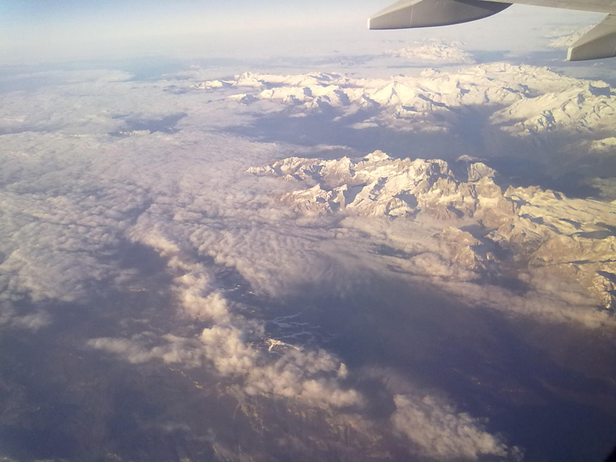 Alp Dağları üzerinden geçerken