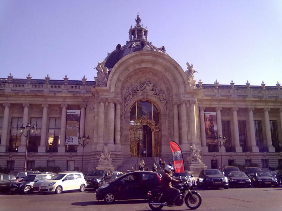 Grand Palais yani Büyük Saray