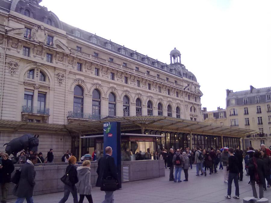 Orsay Müzesinin girişi