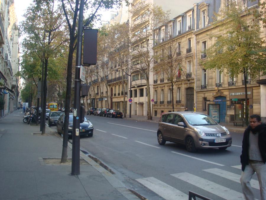 Paris sokaklarından bir kare